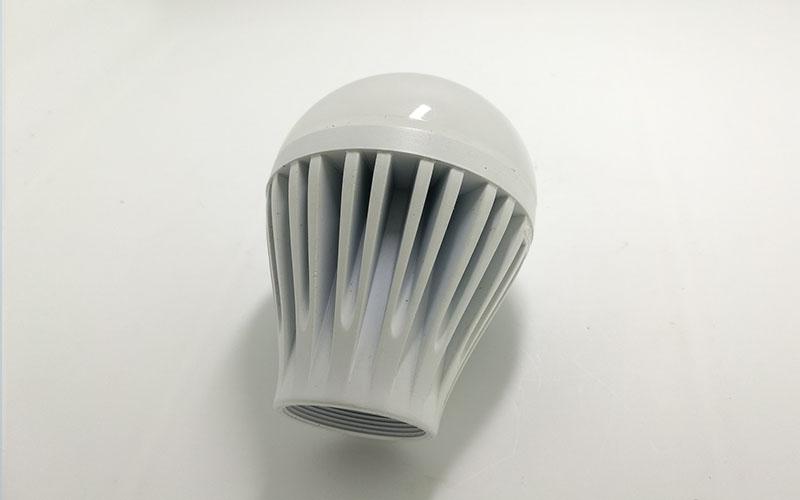 LED散熱零件噴油工藝 2